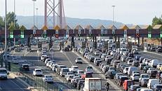 Despiste na Ponte 25 Abril congestiona entrada em Lisboa