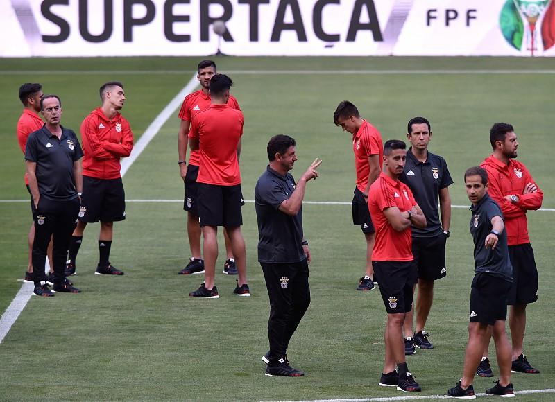 Resultado de imagem para Benfica e Vitória de Guimarães discutem Supertaça em Aveiro