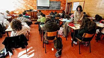 Professores passam a ser contratados com base em critérios iguais