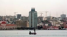 Angola quer limitar importações devido à crise do petróleo