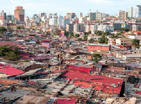 Muitos bairros da província de Luanda cresceram sem a mínima planificação e organização do território