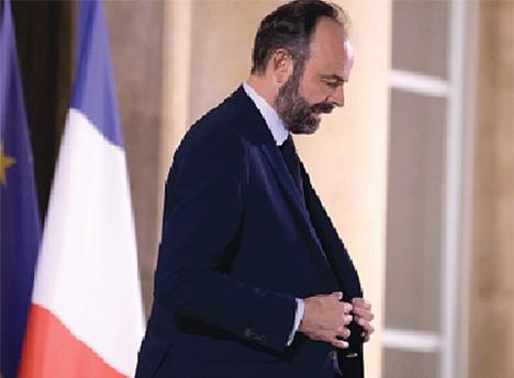 Édouard Philippe sai de cena e vai procurar novos ares