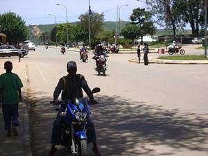 Predomina nas ruas da cidade o movimento das motorizadas