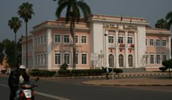 Edifícios públicos antigos e emblemáticos ganharam novo brilho sob o impulso da reconstrução nacional