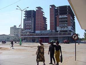 Pormenor da capital da província da Palanca Negra Gigante