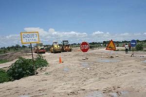 Os trabalhos de construção de diques de protecção contra as cheias terminam este mês