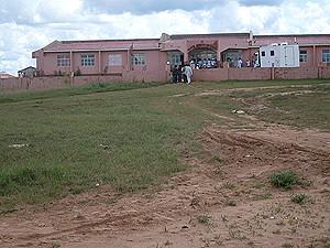 O atendimento no Hospital Municipal em Lumbala Nguimbo é assegurado por um corpo clínico composto apenas por enfermeiros