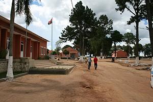Várias infra-estruturas de impacto social foram erguidas na vila do Ebo para melhorar o nível de vida da população