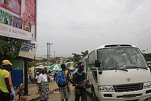 Deste parque partem diariamente centenas de passageiros para as províncias do Centro e Sul de Angola