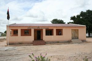 O edifício da administração comunal foi reabilitado no quadro do programa de aumento de serviços sociais básicos à população