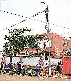 Projecto de iluminação pública está em execução nas áreas urbanas e suburbanas