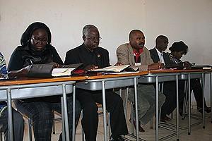 Os deputados do círculo provincial do Kwanza-Norte estão preocupados com o estado de degradação da Estrada Nacional 230