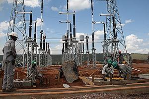Os parlamentares visitaram as obras da subestação eléctrica do Pambo de Sonhy