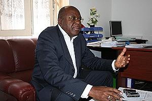 Administrador municipal Afonso Luviluko