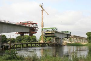 A abertura da nova ponte sobre o rio Kwanza vai melhorar o tráfego e reduzir o número de acidentes na região
