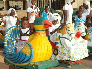 O projecto do carrossel foi estendido a seis províncias o que enche de alegria  muitas crianças que têm poucos espaços de diversão e lazer