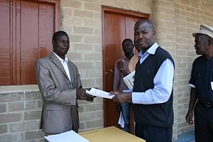 Termo de entrega das obras ao representante da Administração Municipal da Cela