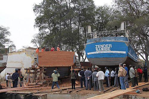 Grande parte das embarcações está em terra por falta de manutenção técnica e acessórios adequados
