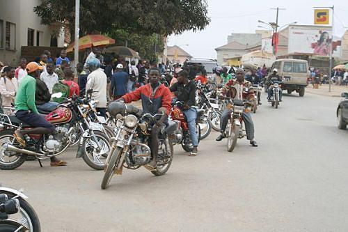 Moto-taxistas vão ter escola de condução para reduzir problemas com a Polícia e baixar os níveis de  sinistralidade rodoviária