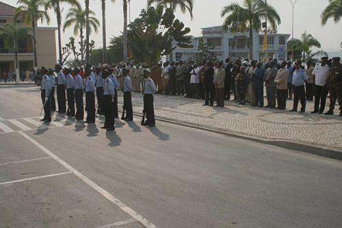 O acto solene do aniversário da urbe juntou muitos interessados diante da Administração