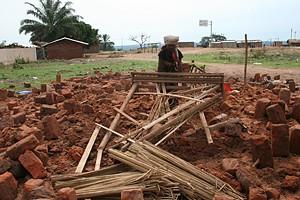A imagem documenta o estado em que ficou a casa da anciã Helena Cafuani que disse à nossa reportagem que perdeu tudo