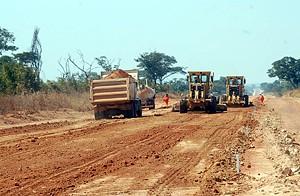 O Executivo elegeu como uma das prioridades a reparação e construção das estradas que ligam os municípios do Kuando-Kubango