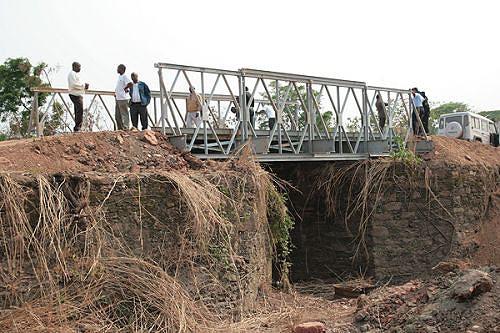 A reconstrução das pontes está a facilitar a ligação à cidade de Malange