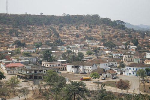 Com a reparação das principais estradas de acesso  a vila do Golungo Alto fica mais perto dos que a desejam conhecer