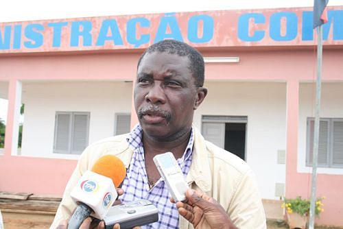 Governador provincial Pedro Sebastião