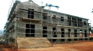 O palácio do governo provincial do Kwanza-Norte está a ser alvo de obras de requalificação e ampliação das suas estruturas