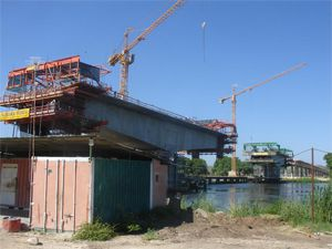 No domínio da construção foram erguidas de raiz várias infra-estruturas que melhoraram a imagem arquitectónica da província