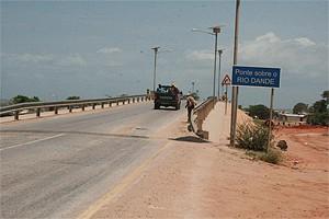 Pontes de construção definitiva melhoraram a circulação de pessoas e bens e facilitam a ligação rodoviária de e para a capital do país