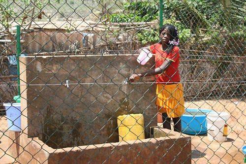 População das oito sedes municípais consome água potável no âmbito do projecto