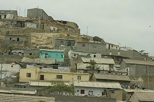 Em Benguela e um pouco por todo o país a ocupação anárquica de terrenos tem dado lugar a bairros degradados