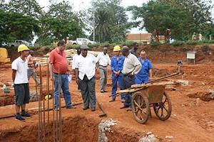 Vice-governador visitou o local onde vai ser erguido o edifício das direcções provinciais