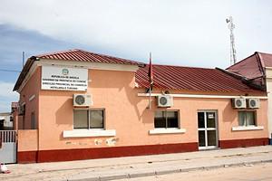 O edifício onde funciona a direcção da Hotelaria e Turismo clama por reabilitação