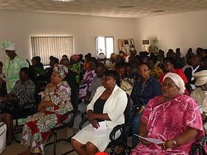 O debate contou com aparticipaçaõ de senhoras de vários estratos sociais