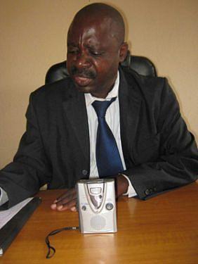 Manuel Jorge chefe de departamento do INADEC mostrou-se preocupado com a venda de produtos em locais impróprios no Kwanza-Norte