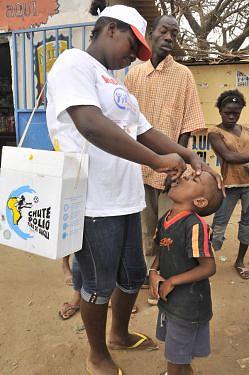 A poliomielite afecta principalmente as crianças