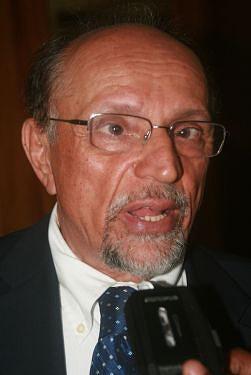 Escritor Cerqueira afirma que o Brasil lê e conhece muito pouco a cultura africana