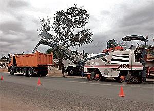 A asfaltagem de 20 quilómetros de estradas e o melhoramento dos lancis e passeios de Ndalatando estão em fase de conclusão