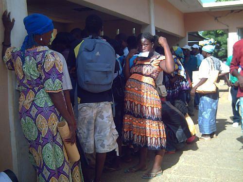 Muitos pacientes chegam ao banco de urgência com doenças em estado avançado