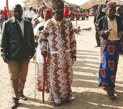 Rei Buba Nvula refere que as campas do Mukulu-a-Ngola desmentem as informações de que os Ngolas despareceram após a sua morte