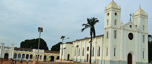 Igreja Católica aposta na construção de escolas e ajuda a minimizar os problemas do sector da educação na província