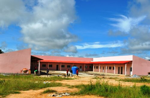Infra-estruturas construídas na comuna estão a melhorar o nível de vida dos habitantes