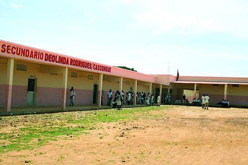 Um dos grandes problemas da Administração Municipal de Cassongue é  a falta de escolas para dar resposta às inúmeras solicitações