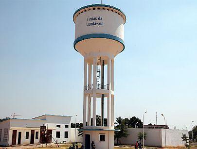Para aumentar e melhorar os níveis de fornecimento de água o governo teve que apostar na ampliação dos tanques reservatórios para cobrir a demanda dos munícipes