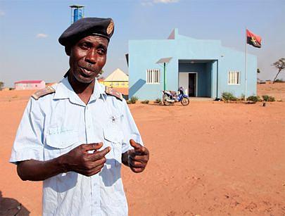 Comandante do posto policial dos bairros Caxita e Muandondji Morais Ernesto