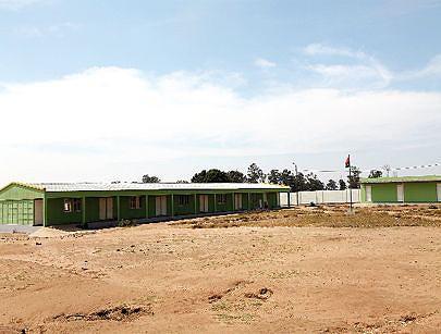 Escola primária construída pelo governo na regedoria de Ngwa uma localidade que serviu de zona de transição para a guerrilha durante a luta de libertação do jugo colonial