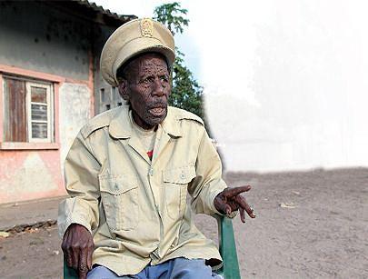 Regedor Massungo Mundala um antigo guerrilheiro que dedicou décadas da sua juventude na luta para honrar a pátria